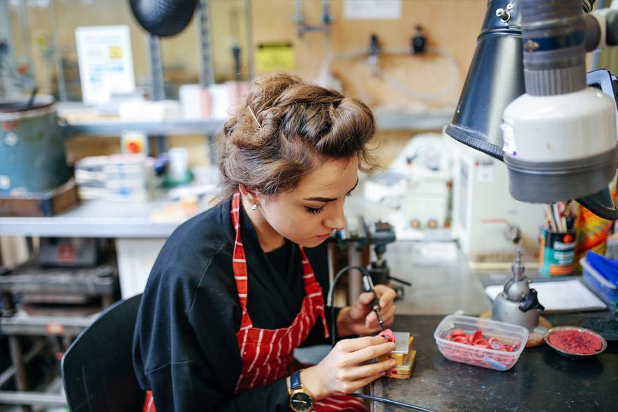 Ellis Mhairi Cameron, MA Design: Jewellery, Central Saint Martins